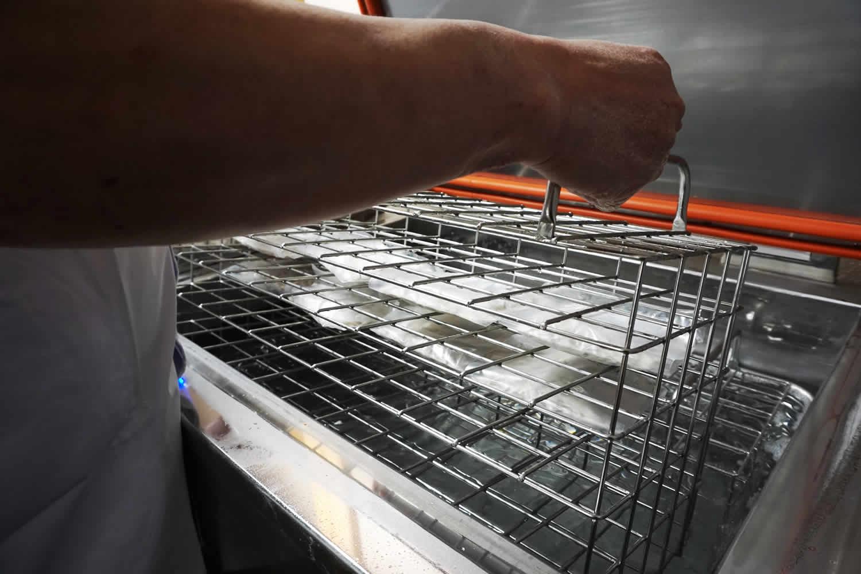 手打式冷凍蕎麦工房 Studio UCHIBA(スタジオ ウチバ)瞬間リキッド冷凍機「凍眠(とうみん)」